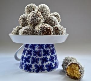 cocnut pineapple bites